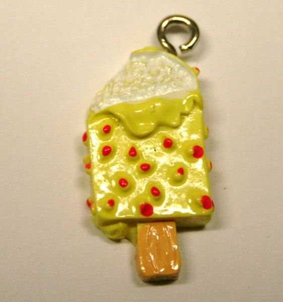 ICE CREAM YELLOW FOOD CHARM 20MM X 10MM CHFD1031